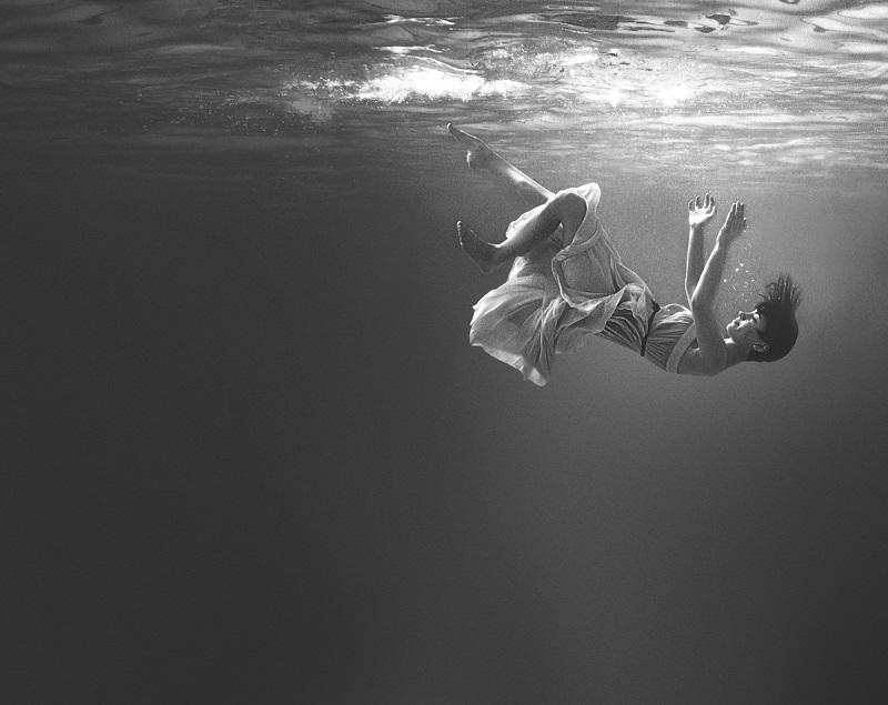 underwater_photos_girl_falling