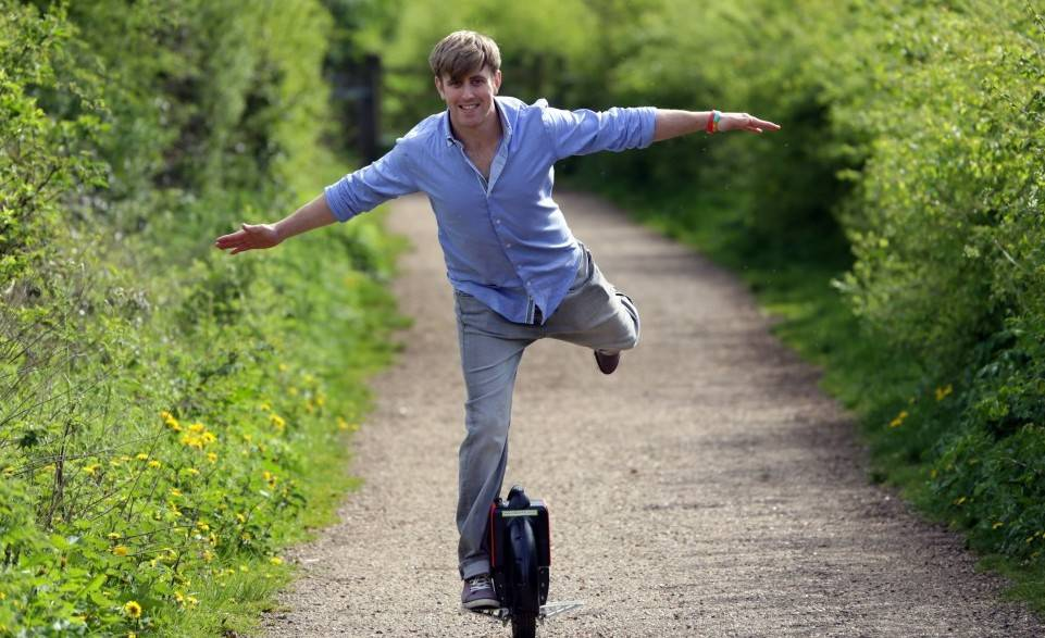 airwheel, airwheel demo, buy airwheel, goodbye walking, future of walking, transportation ideas
