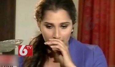 emotional sania mirza, sania mirza breaks down, sania mirza crying, sania mirza controversy, pakistan's daughter-in-law, k laxman comment, bjp leader comment, hot sania cry, sexy sania crying, tennis star crying