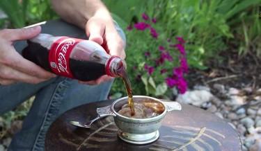 soda tricks, freeze cola instantly, Self Freezing cola, freeze soda in 3 secs, coke, coca cola, cool tricks, omg, slush, make slush