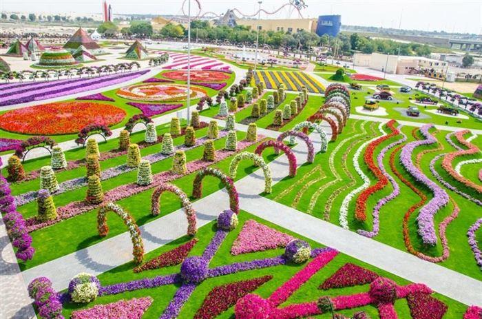 1. Dubai has the world's largest flower garden