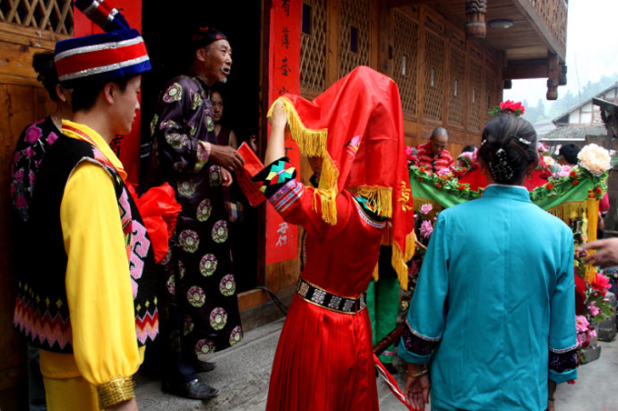 traditions, festivals, customs, strange wedding, culture, tujia, crying ritual, crying wedding, china, travel, tujia people, weird wedding, chinese marriage, omg, lol, rofl, wtf, stupid china, crying marriage, bride crying, every bride had to cry, weeping before wedding ceremony, quick facts of tujia people