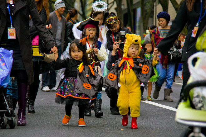obon, obon tradition, obon traditions in japanese culture, halloween In japan, halloween, japan, japanese culture, o-bon, festivals, japanese festivals, obon meaning, buddhist celebration, how japanese celebrate halloween, how asian celebrate halloween, honors the spirits of one's ancestors