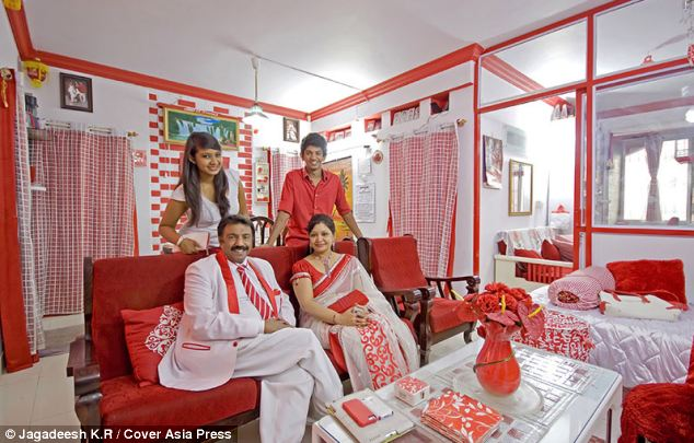 sevenraj, sevenraj family, red and white family, bangalore businessman, color crazy, mad about colors, red & white obsession, weird indian, wtf, lol, omg, indian family