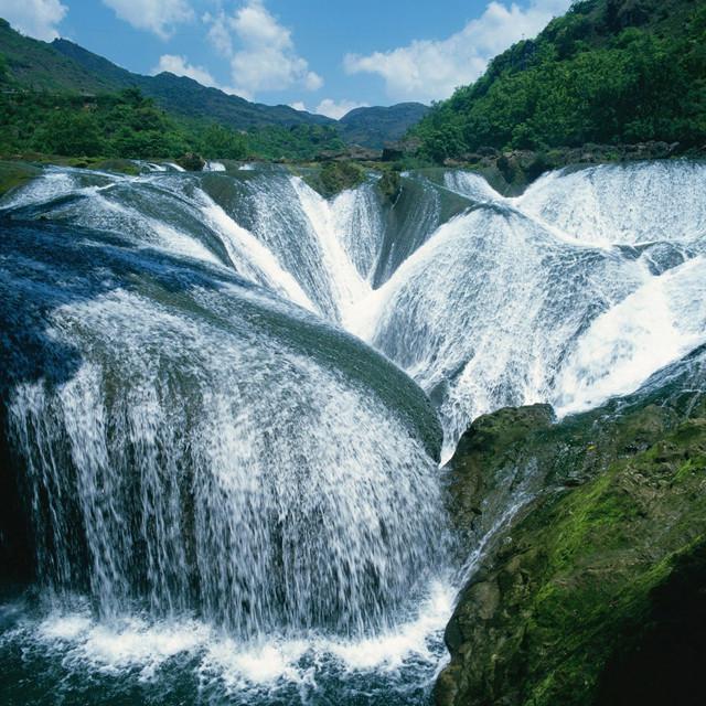 Pearl Shoal Waterfall, China