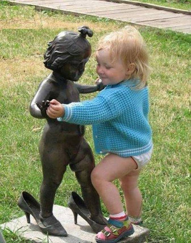 People Brought Statues to Life 21