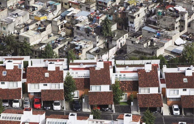 oscar ruiz, mexico, rich and poor, photo, erase the difference