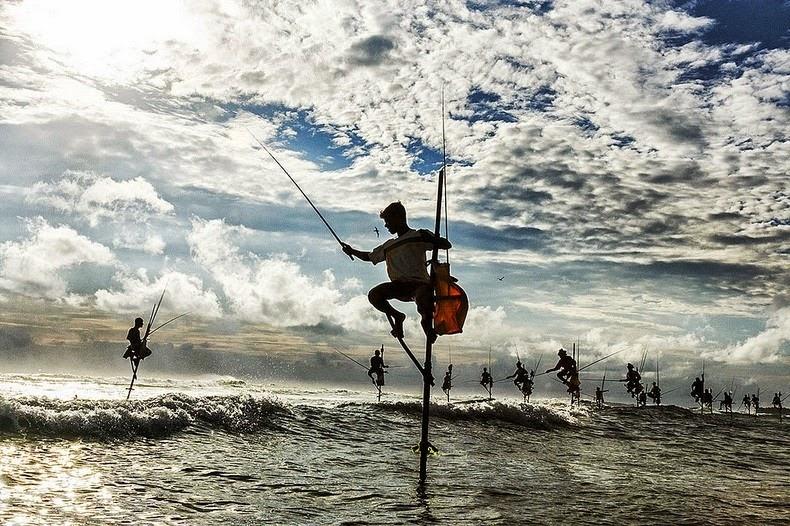sri lanka, Stilt Fishermen, dying tradition, unawatuna, weligama, travel