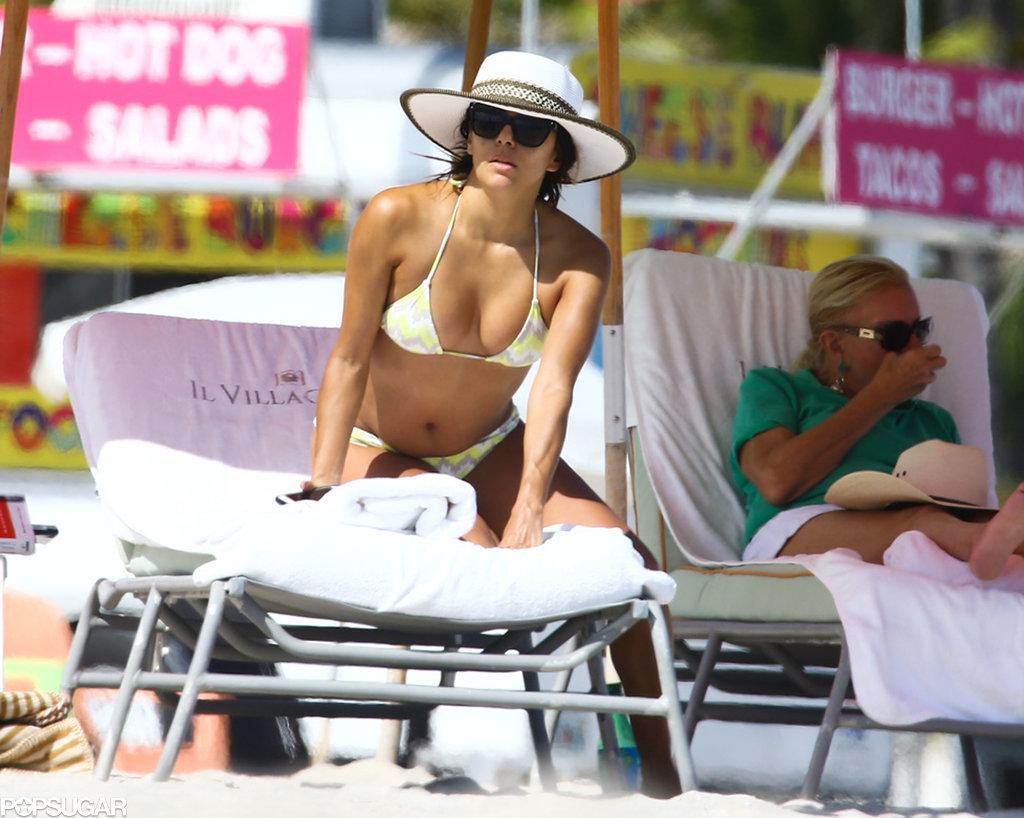 22.Eva-Longoria-slipped-bikini-Miami-past-Friday