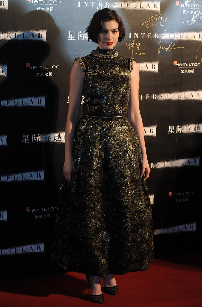 24.Anne-Hathaway-stepped-out-style-Interstellar-premiere