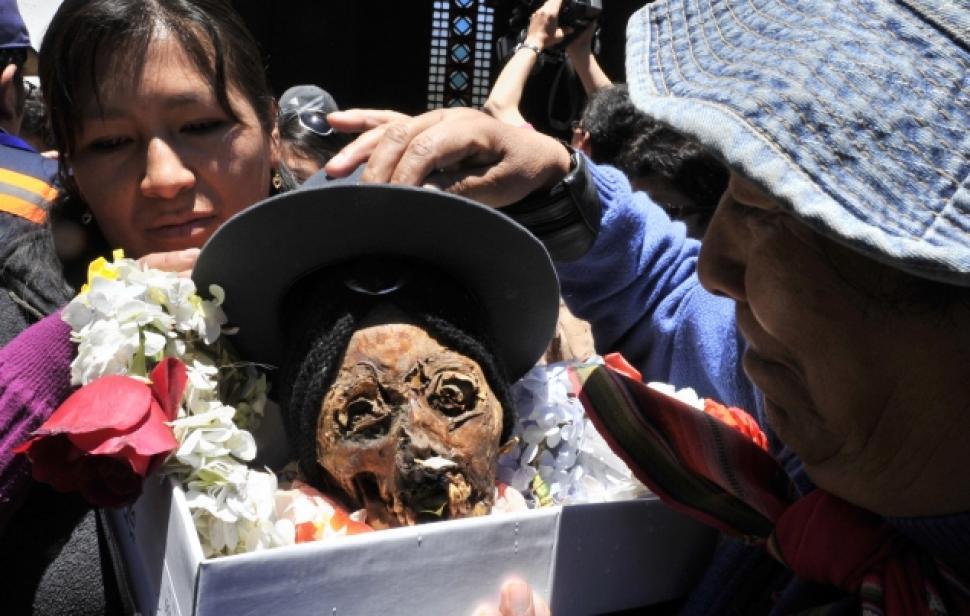 skull festival in bolivia, day of the dead, la paz, festival, weird, skull fest 2014, annual festival, amazing bolivia, bolivia facts, fun bolivia, day of the skull, dia de los natitas, bolivians, bolivians culture
