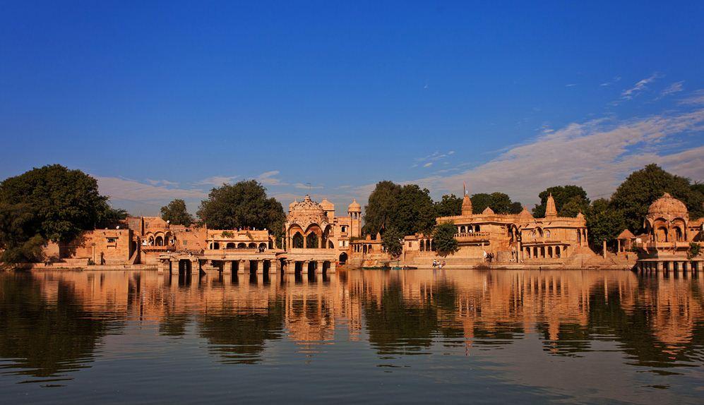 Must visit places of india, most beautiful places of india, tourist palces of india, kodaikanal, Andaman and Nicobar, darjeeling, jaisalmer, jaisalmer fort, Backwaters Kerala, jammu and kashmir, dal lake, srinagar