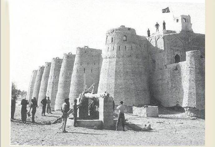 Pakistan's flag flutters proudly over the famous Rajput Fort of Kishangarh