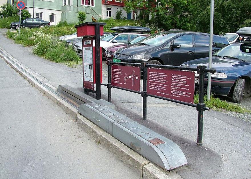 cyclocable, bike escalator, norway, genius norwegians, inovation, trondheim, world's first bike escalator, bicycle