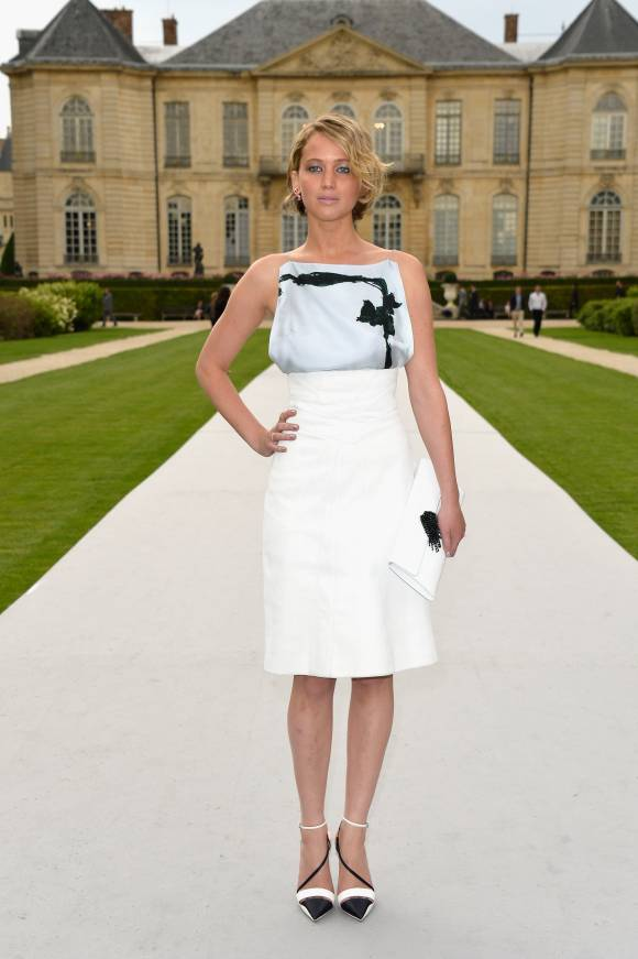 jennifer-lawrence-dior-fashion-show-getty__width_580