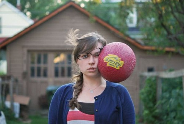 perfectly-timed-photos-dodge-ball