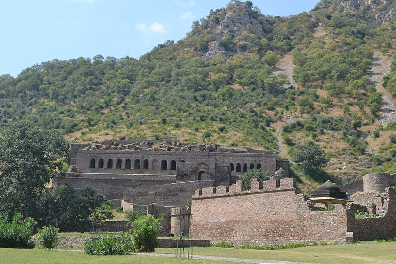 Bhangarh Palace, Front Historical Places In India