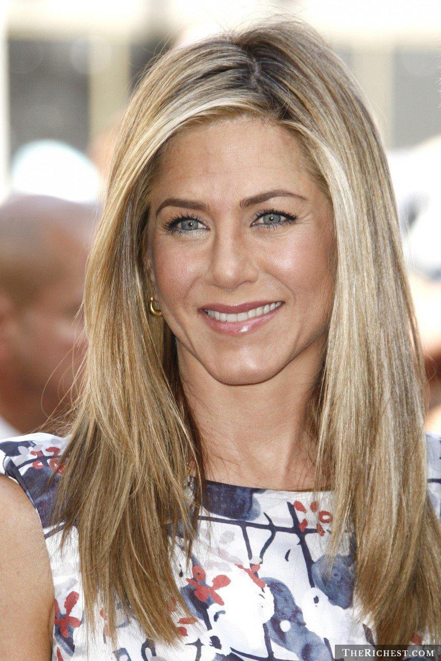 Jennifer Aniston – 45