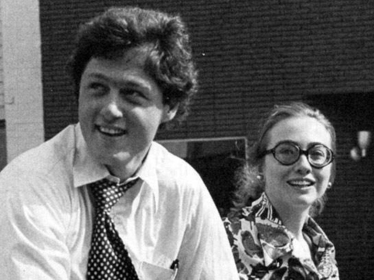 20 Cute Vintage Photos Of Bill Clinton & Hillary Clinton