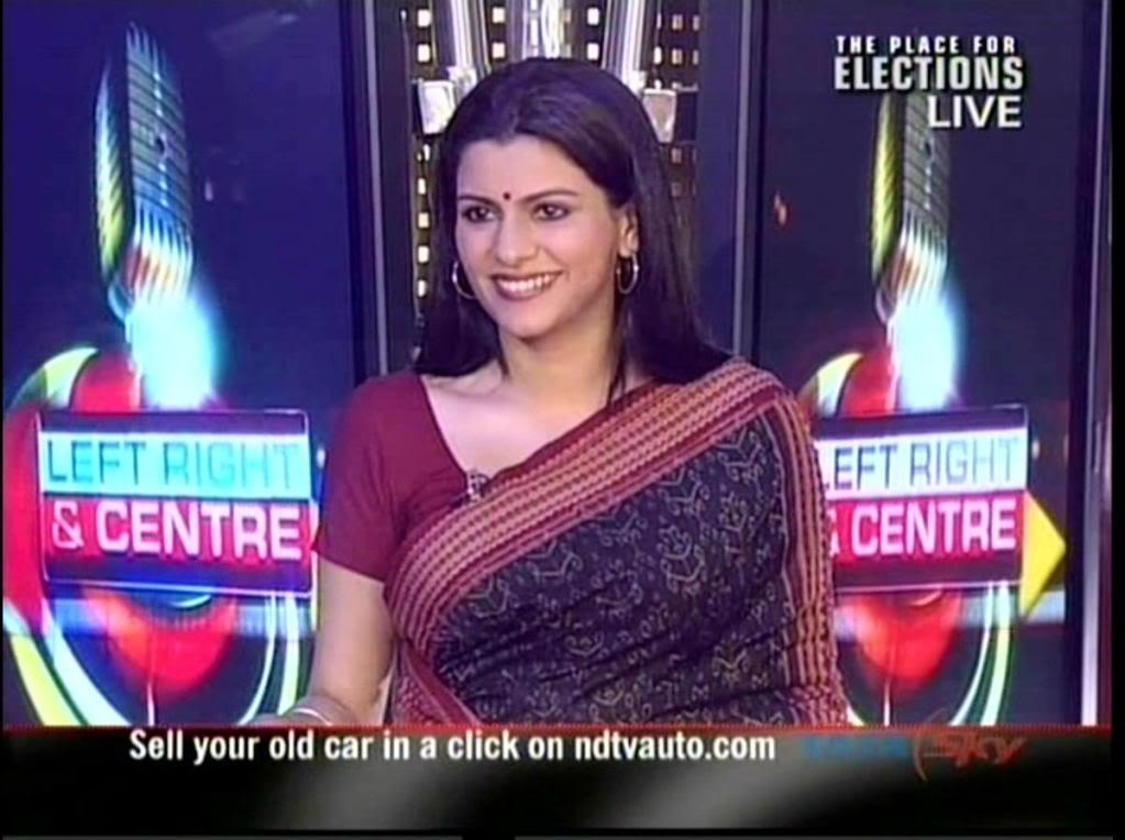 Nidhi Razdan sexy sari