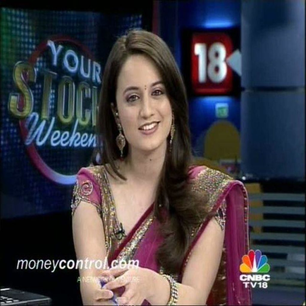 Top 25 Cute, Hot & Sexy Female News Anchors in India | Reckon Talk
