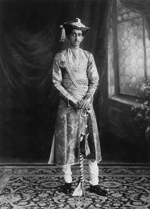 Investiture_of_his_Highness_Maharaja_Yeshwant_Rao_Holkar_Bahadur_of_Indore_9th_May_1930