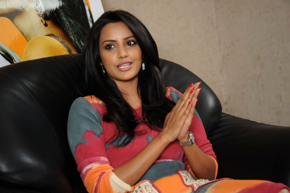 Priya Anand, Priya Anand pictures, Priya Anand hot pictures, Priya Anand images, Priya Anand wallpapers, Priya Anand sexy stills, Priya Anand cleavage, Priya Anand navel show, Priya Anand bikini, Priya Anand profile, Priya Anand twitter, Priya Anand facebook, Priya Anand latest photo shoot, Priya Anand leaked pictures, Priya Anand photos, Priya Anand spicy pics, Priya Anand sexy wallpapers, Indian Kim Kardashian, Kim Kardashian looklike, Indian film actress, Bollywood, Sexy Tamil Actress