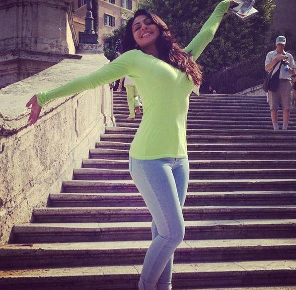 18 secret photos of Neeru Bajwa Thanks to Instagram | Reckon