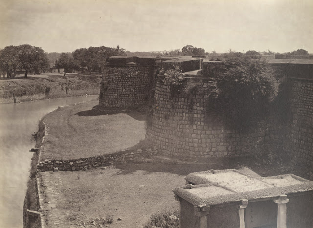 ruined fort at Bangalore was taken by Nicholas Bros in the 1860s