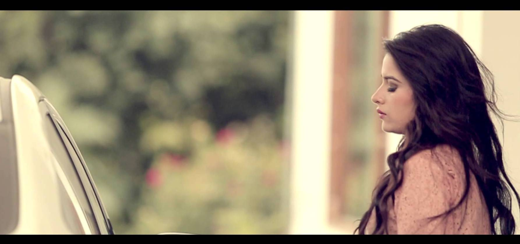 24 Hot & Cute Photos of Famous Punjabi Model Sara Gurpal