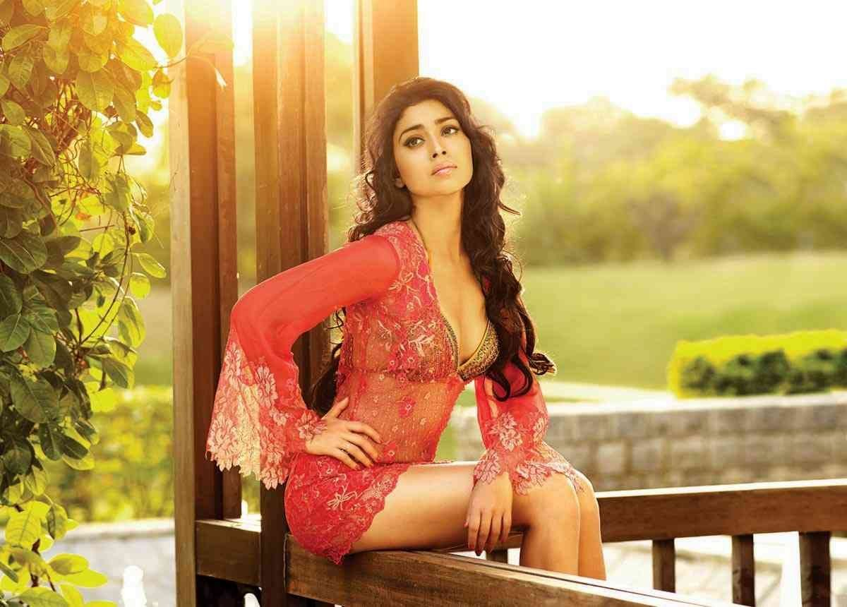 shriya-saran-hot-photoshoot