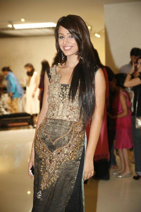 Nude pakistani teen models pic