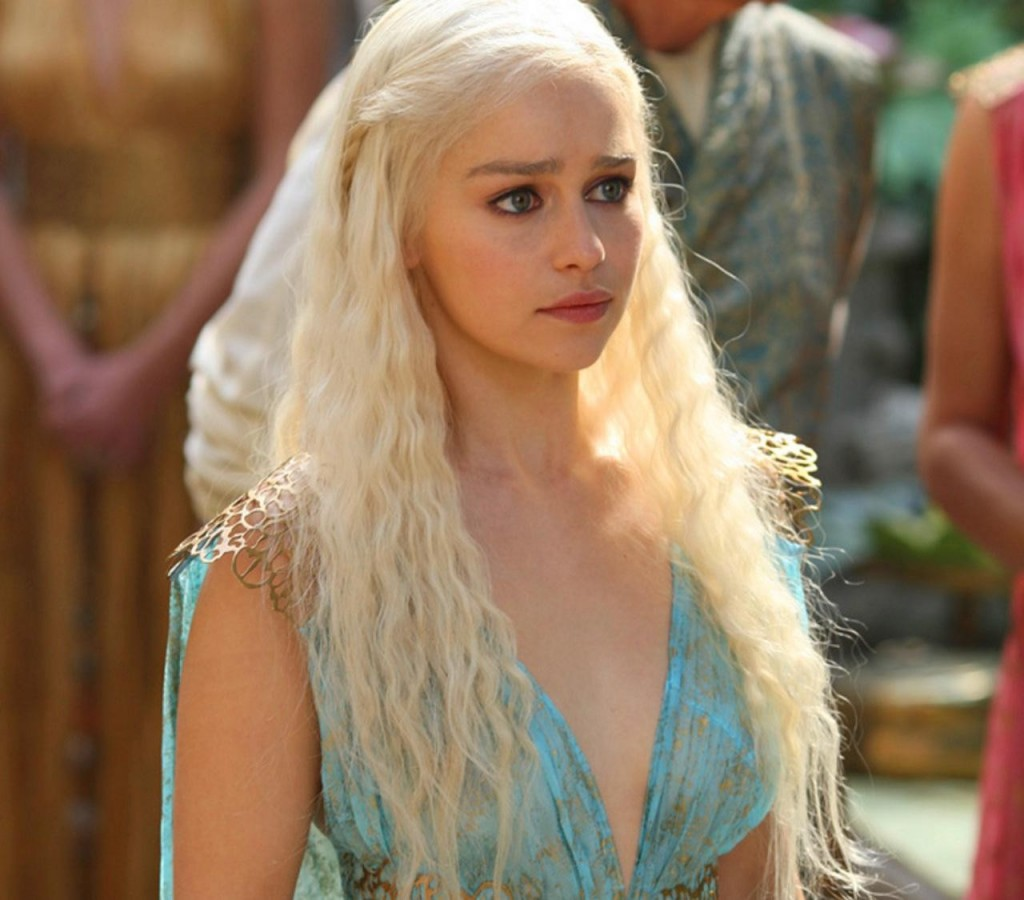 Game of thrones actress plays with herself