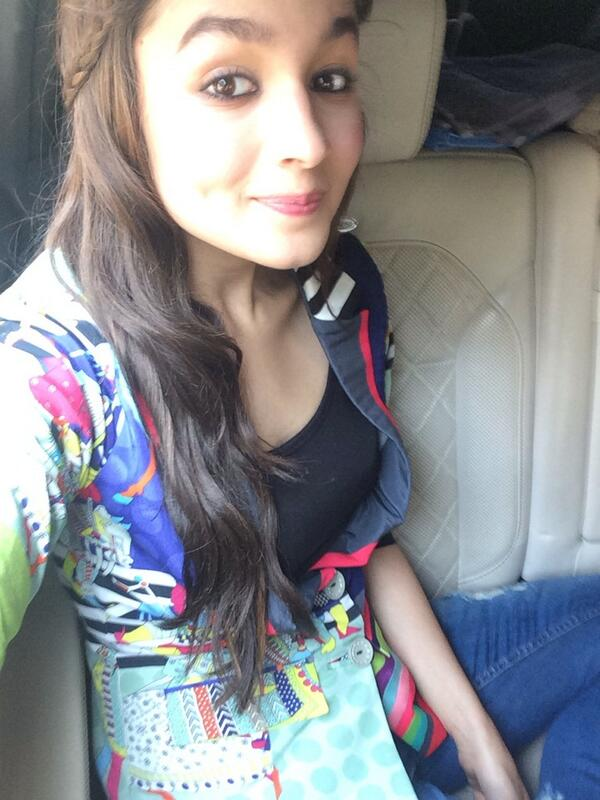 17 hottest selfies of alia bhatt make you fall in love with her reckon talk