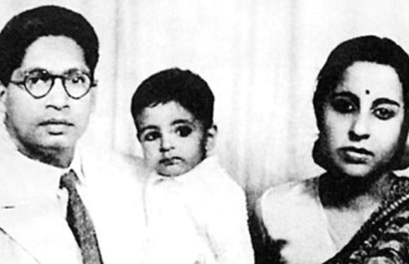 Amitabh Bachchan childhood photos, Bollywood Celebs, Childhood Stars, Unseen childhood pictures, Rare Pics Of Bollywood Celebrities