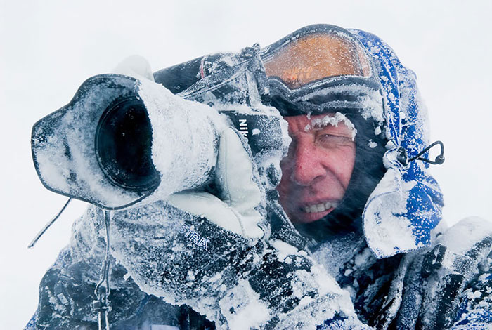 funny photographer, crazy photographer, mad photographer, dangerous, heartstopping, mad photographers, most famous photo, national geographic photographers, best photo, most popular photo, nature documentary, funny, animal, lol, viral, wtf, Photography