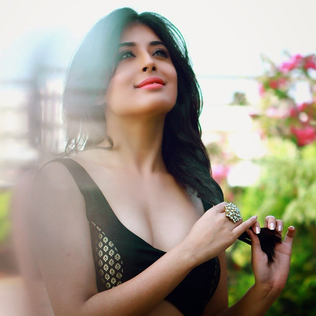 Kritika Kamra hot, indian tv, Indian television, Indian actress, Bahus, TV Actress, hot tv actress, sexy TV Actress, Indian Television photos, hot actress 2015, tv actress photos, hot tv, sexy tv, tv actor photos, star plus actor, sony tv actor, life ok actor, sab tv actor, colors tv actor