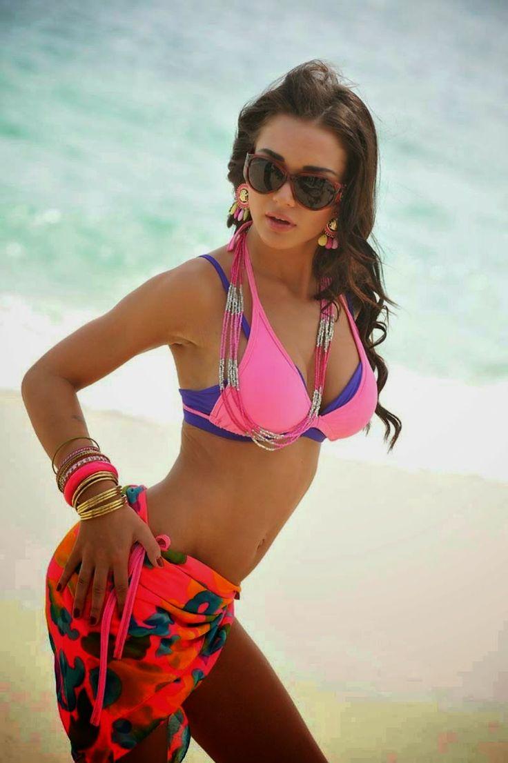 Amy Jackson Hot Bikini Unseen Pics 20 Photos Of I Actress