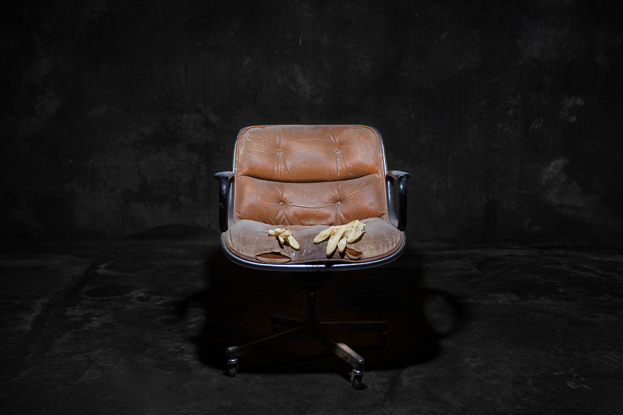 photography, photos, pics, images, pic, image, photo, photograph, photographer, horia manolache, chairs, furniture, common, people, normal people, amazing, different, out of the world, beautiful, wow, idea, great idea