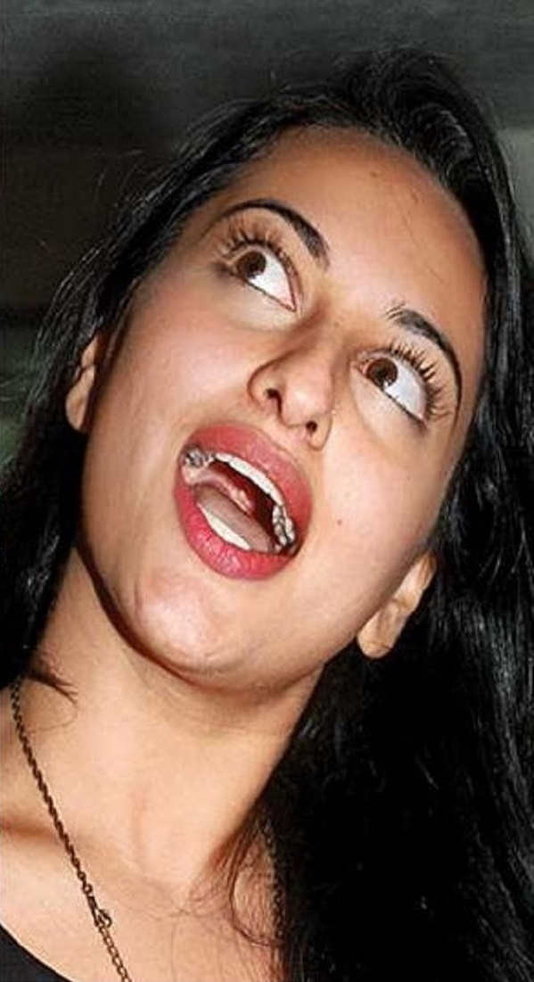 bollywood, pics, images, photos, divas, heroines, actress, actresses, lol, laugh, indian, celebrities, aishwarya bachan, kajol, jaya bachan, sushmita sen, ash, sush, deepika padukon, katrina kaif, sonam kapur, hamsika motwani, sonakshi sinha, never seen pics