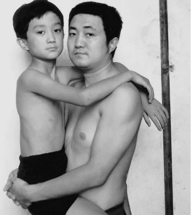 Father Took a Photo Every Year with his Son for 30 years  26 Adorable Pics 10