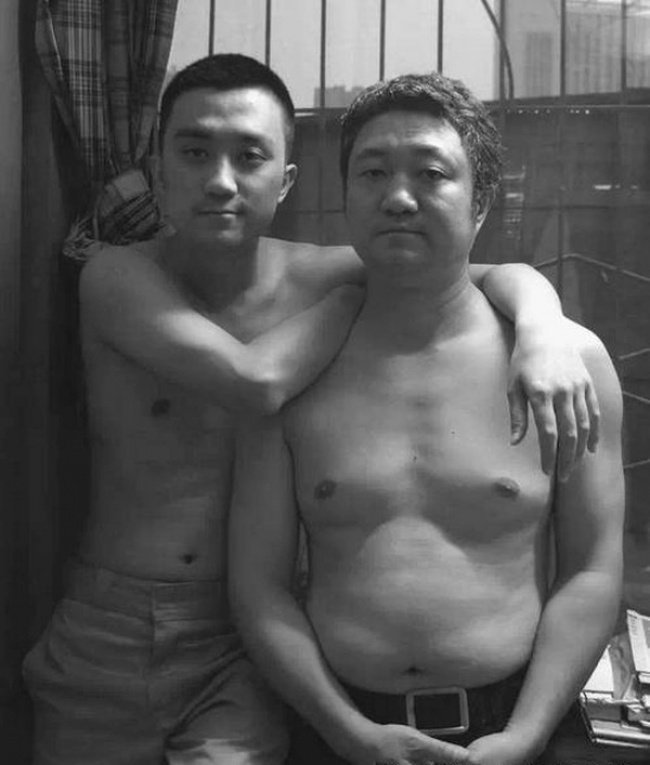 Father Took a Photo Every Year with his Son for 30 years  26 Adorable Pics 23