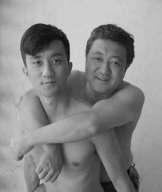 Father Took a Photo Every Year with his Son for 30 years  26 Adorable Pics 25