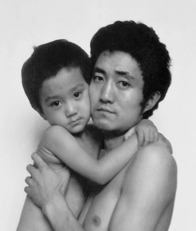 Father Took a Photo Every Year with his Son for 30 years  26 Adorable Pics 3