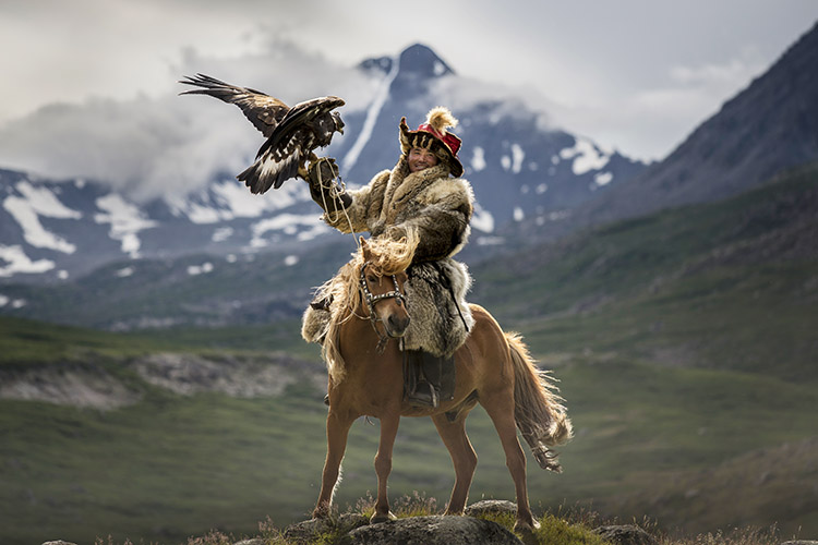 wolves, eagles, Mongolia, hunting, hunters, omg, amazing, trending, mongolian hunting wolves with eagles, wolf hunting in mongolia, mongolia pictures mongolia fishing, winter tours mongolia, jeep tours mongolia, stateofflux mongolia, safari, DISCOVERY, PHOTOGRAPHY, STORY, DISCOVER, EXPLORE, LIFESTYLE