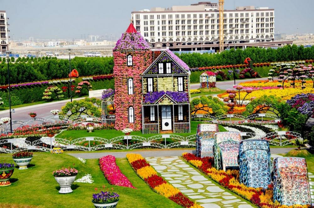 dubai garden 18