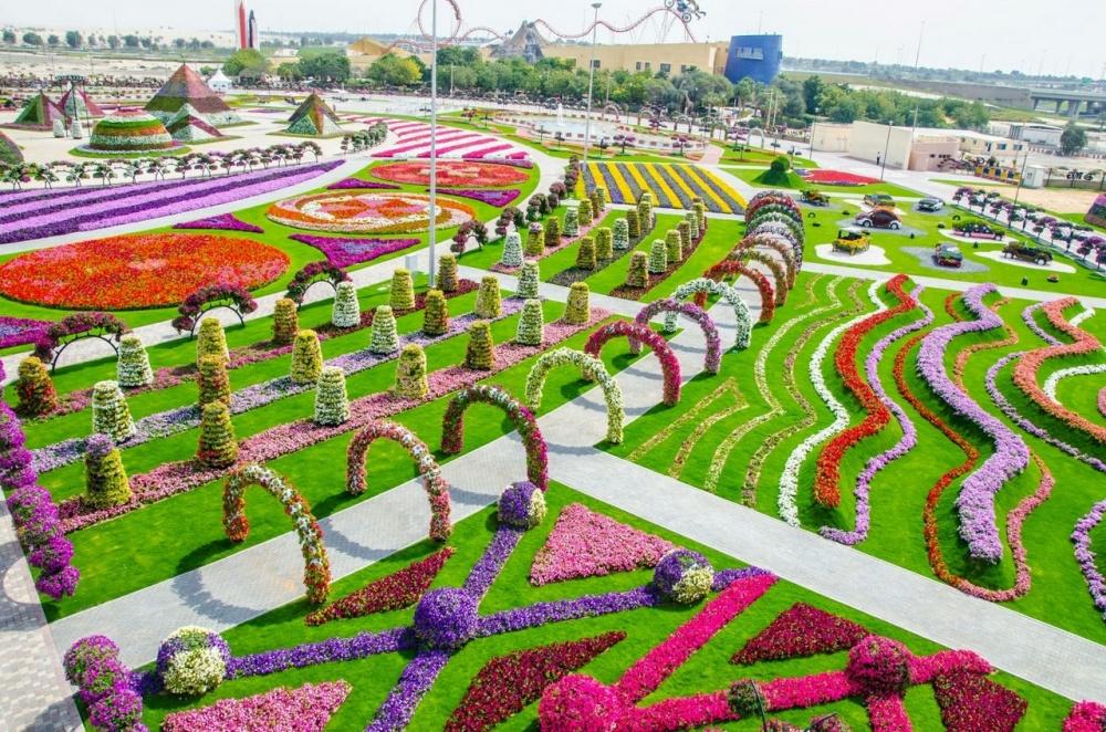 dubai garden 2