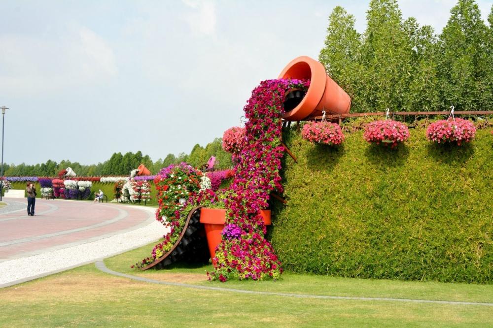 dubai garden 4