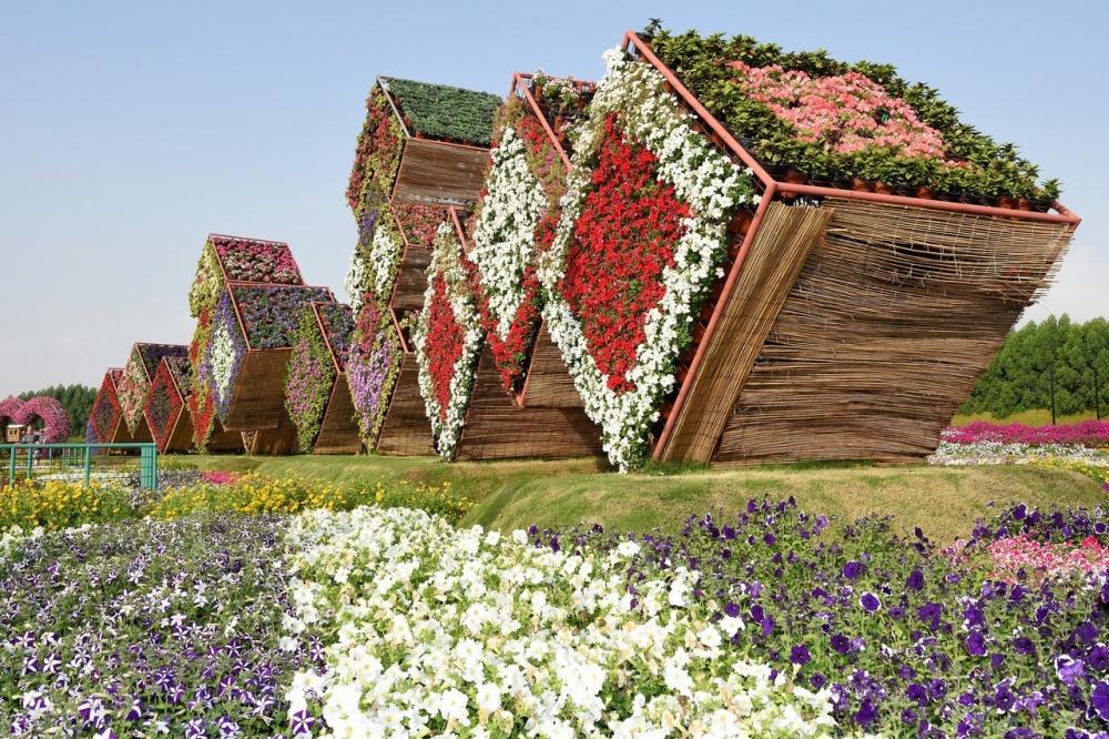 dubai garden 9