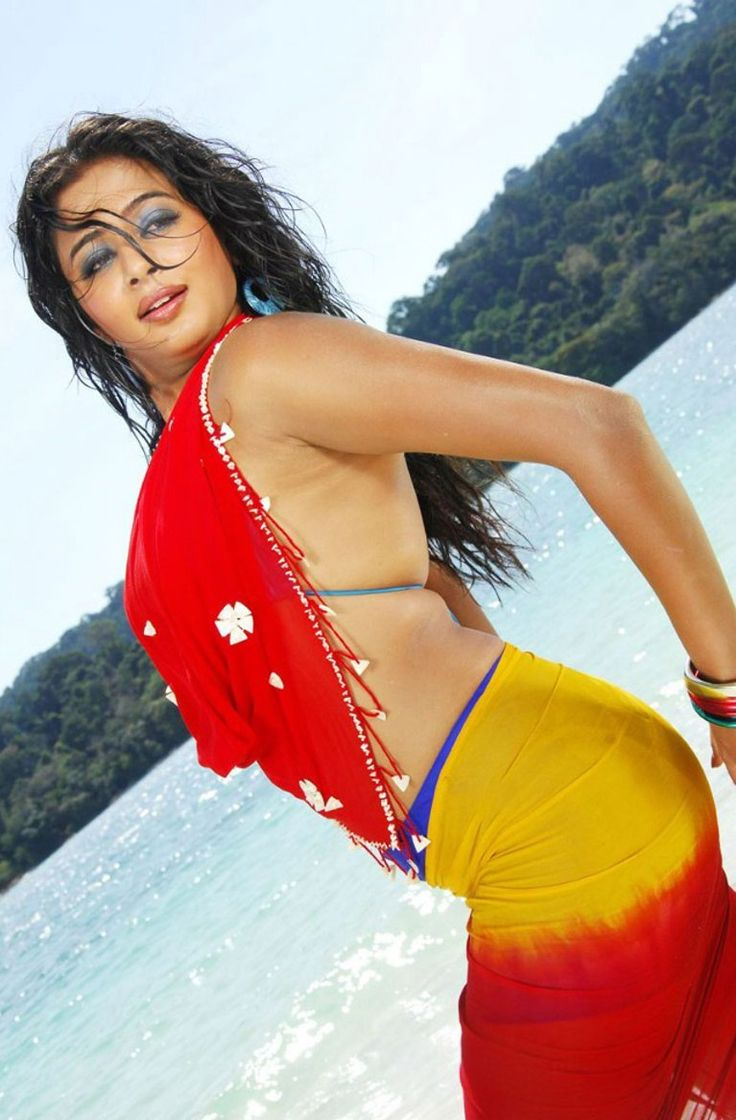 priyamani hot, sexy, cute photos | 20 pics of south indian tamil